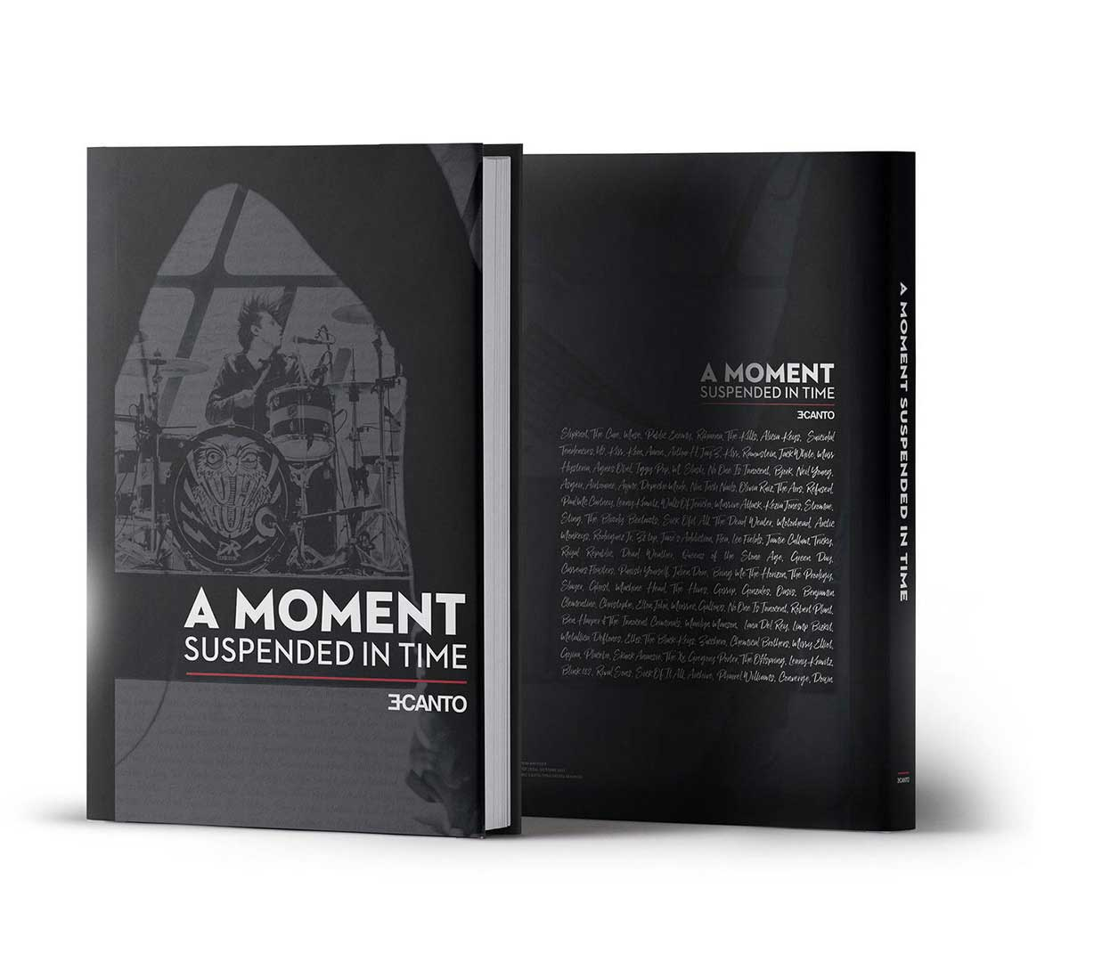 Livre A MOMENT SUSPENDED IN TIME