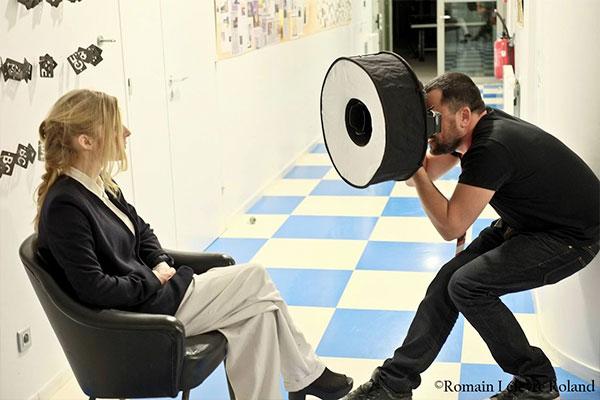 Agnes OBEL - shooting portrait dans la loge de Paloma -