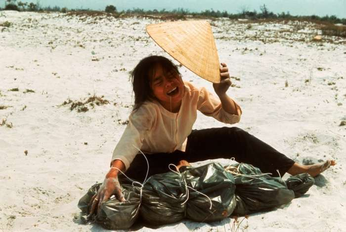 larry burrows vietnam photos