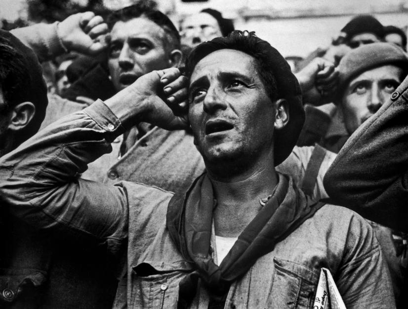 robert capa photos